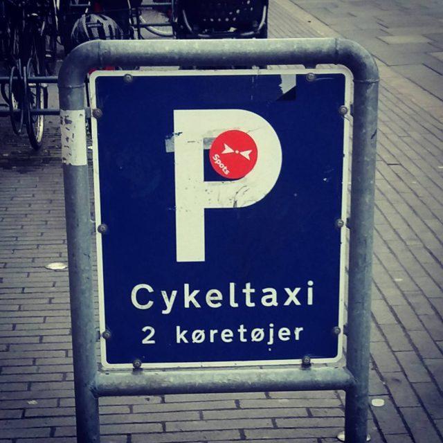 Vejskilt for en bilfri by bilfri cykeltaxi carfree bilfriby biketaxihellip